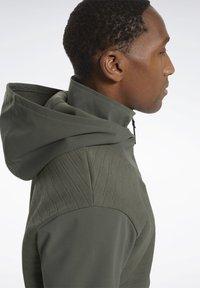 Reebok - THERMOWARM DELTAPEAK FULL-ZIP CONTROL - Zip-up hoodie - green - 3