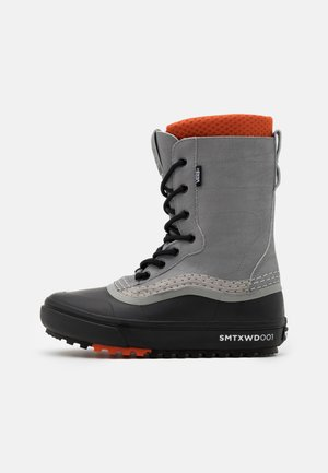 STANDARD MTE UNISEX - Winter boots - gray/black