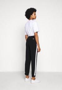 MICHAEL Michael Kors - STRIPE TRACK PANT - Kalhoty - black - 2