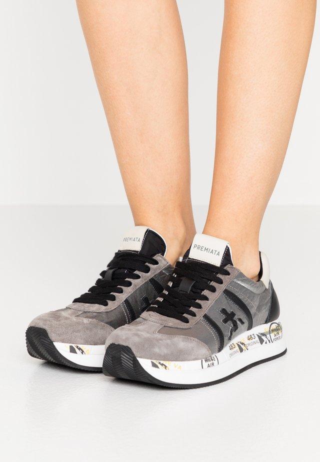 CONNY - Baskets basses - grey