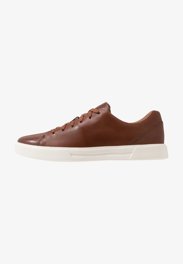 UN COSTA LACE - Sneaker low - british tan