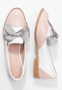L37 - MOUSE WORLD - Slip-ons - pink/white - 3