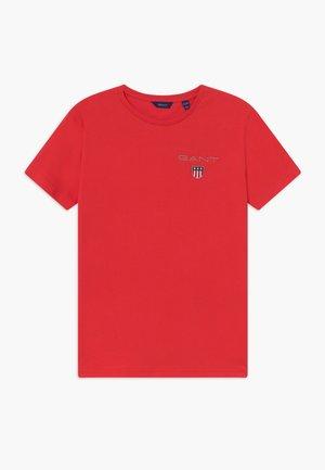MEDIUM SHIELD - T-shirt med print - red