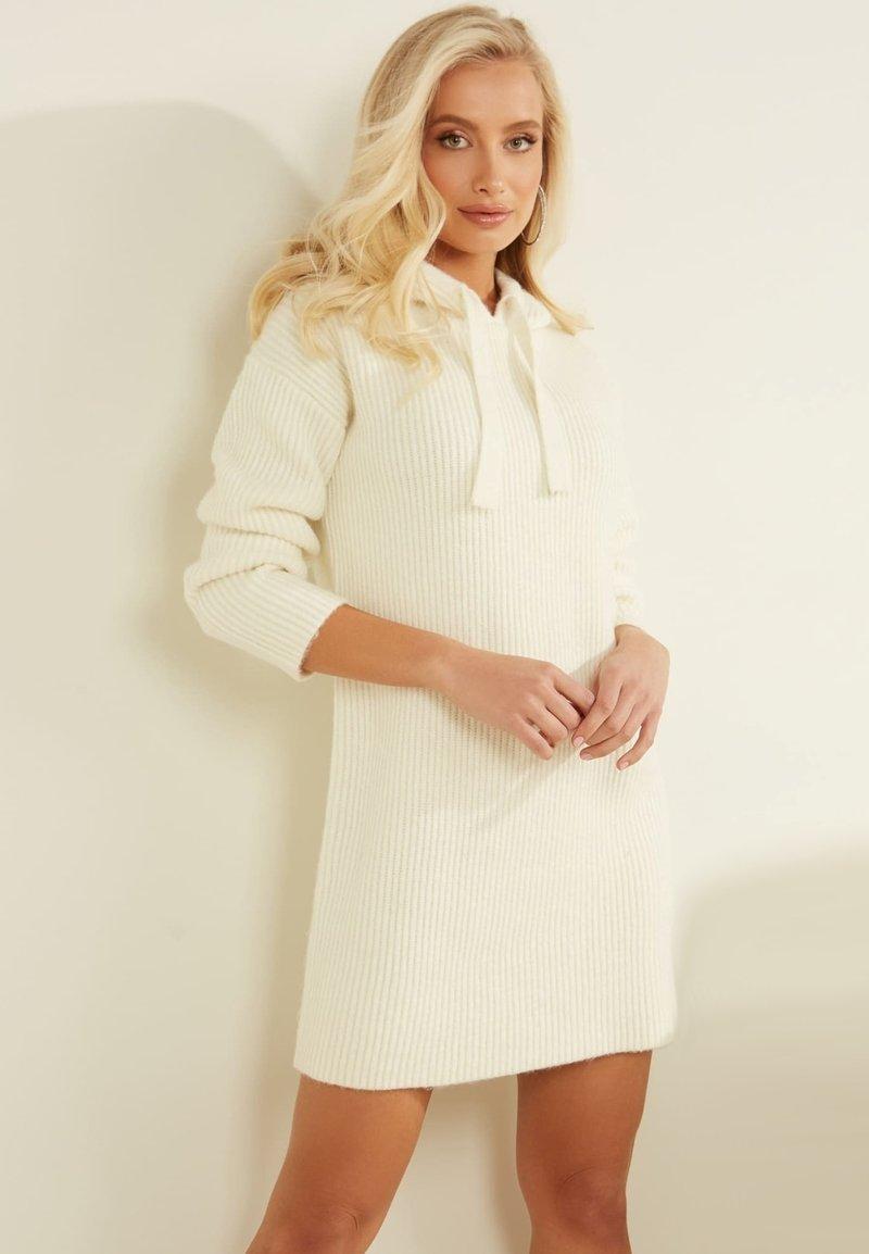 Guess - Jumper dress - weiß
