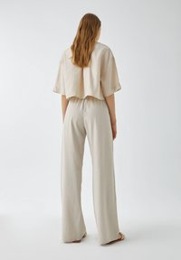 PULL&BEAR - Trousers - sand - 2