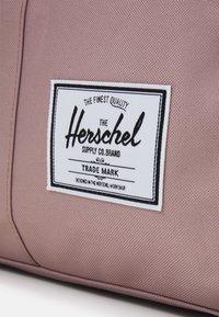 Herschel - NOVEL - Taška na víkend - ash rose - 4
