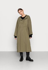 ARKET - Waterproof jacket - green - 1