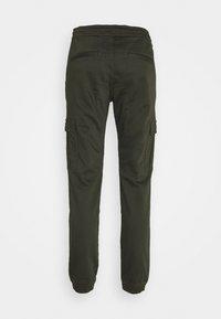 TOM TAILOR DENIM - SLIM WASHED - Slim fit jeans - woodland green - 1