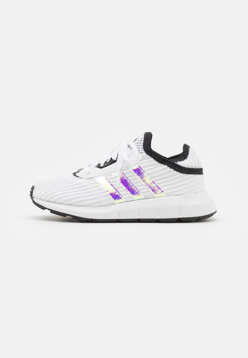 adidas Originals - SWIFT RUN X C UNISEX - Trainers - footwear white/core black