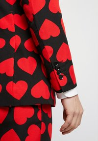 OppoSuits - KING OF HEARTS SUIT SET - Suit - black/red - 7