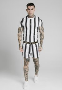 SIKSILK - STANDARD - Shorts - black/white - 1