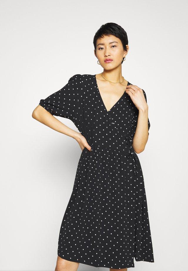 YOANA DRESS - Denní šaty - black