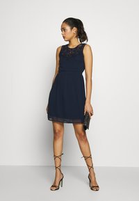 Vero Moda - VMYASMIN SHORT DRESS - Sukienka koktajlowa - navy blazer - 2