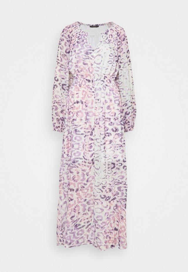 PANSY DRESS - Długa sukienka - animal dream lilac