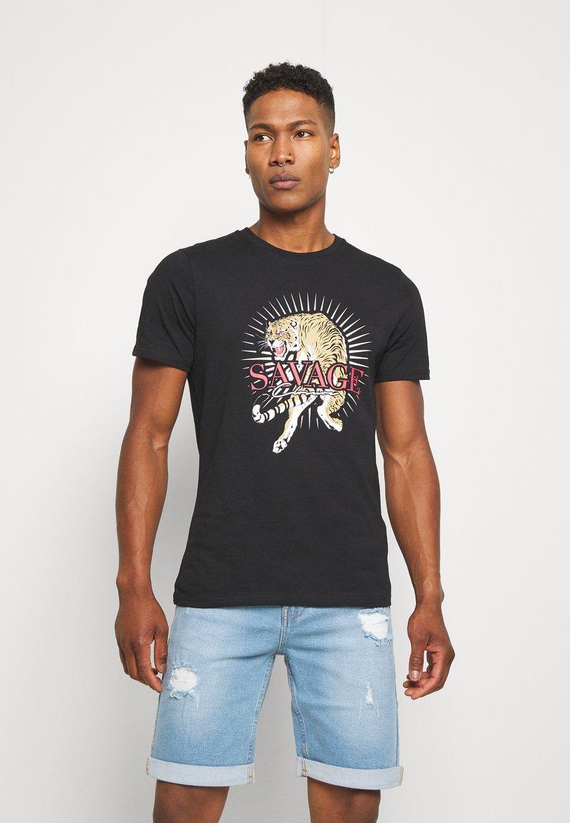 CLOSURE London - SAVAGE TIGER TEE - T-shirt z nadrukiem - black