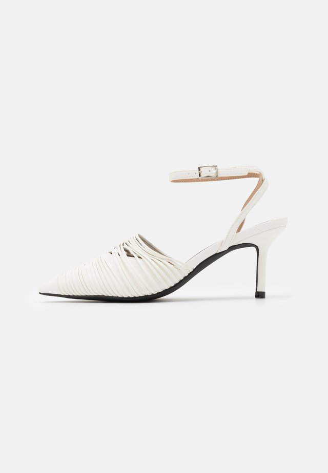 STRAP DETAILED SLINGBACK - Classic heels - offwhite