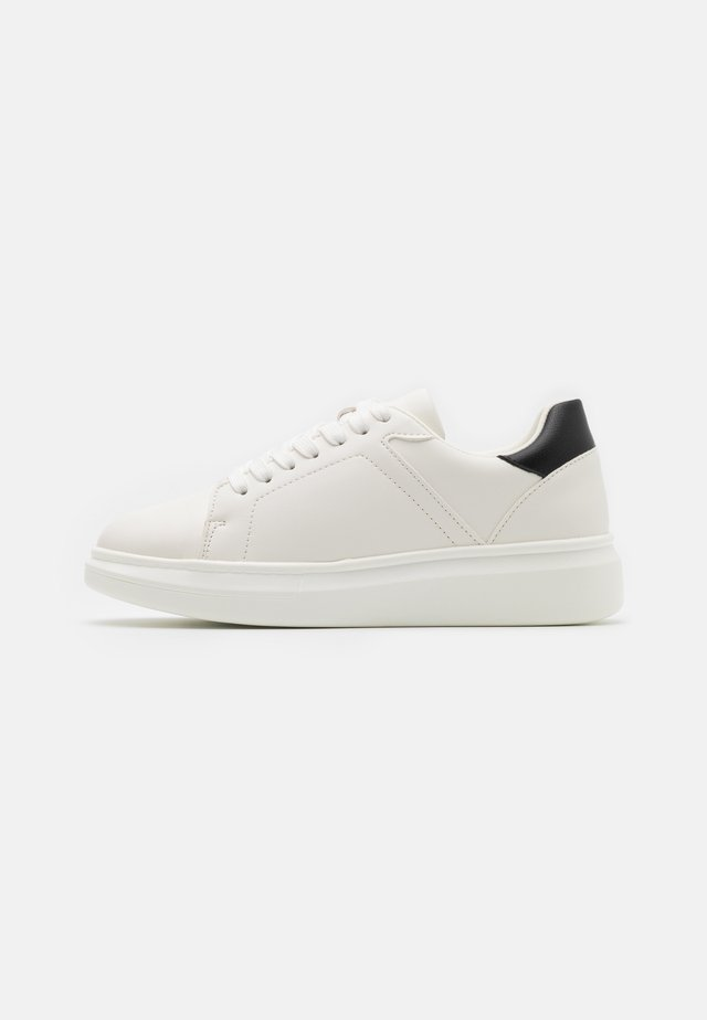 CONTRAST COUNTER TRAINERS - Sneakers basse - white/black