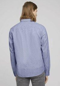 TOM TAILOR DENIM - Shirt - navy white small stripe - 2