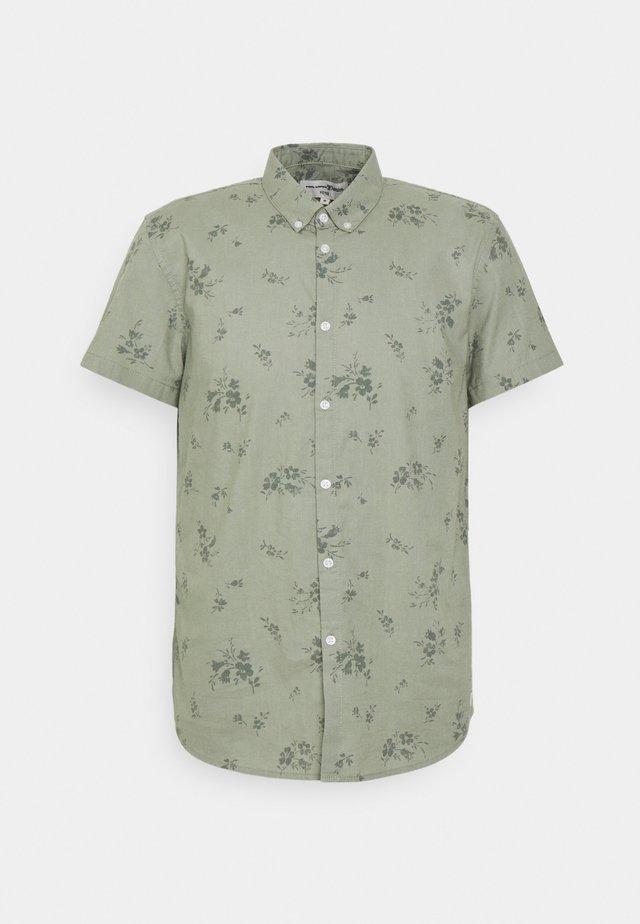 PRINTED  BUTTON DOWN SHIRT - Overhemd - olive shredded