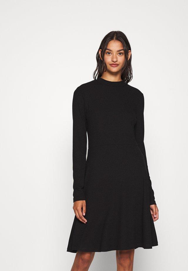 VISOLITTA DRESS - Sukienka z dżerseju - black