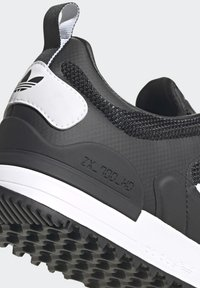 adidas Originals - SPORTS INSPIRED SHOES - Sneakers - black/white - 7