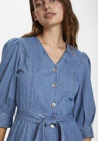 Soaked in Luxury - SLTINATIN - Denim dress - classic blue denim - 3