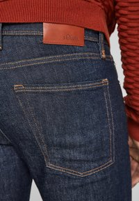 s.Oliver - SLIM: SLIM LEG - Slim fit jeans - dark blue - 4