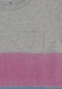 GAP - BOY 3 COLOR  - T-shirts print - pink azalea - 2
