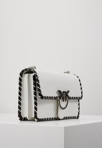 Pinko - LOVE CLASSIC TWIST VINTAGE - Across body bag - bianco/nero