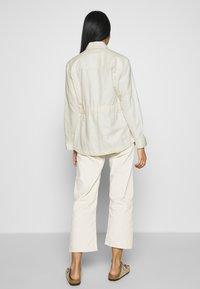 Scotch & Soda - ARMY SHIRT JACKET - Summer jacket - antique white melange - 2