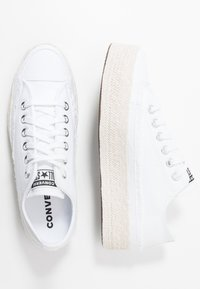 Converse - CHUCK TAYLOR ALL STAR  - Sneaker low - white/black/natural - 3
