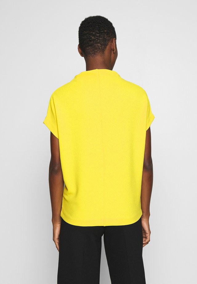 KITTUA TEXTURE - Camiseta básica - lime