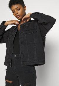 Monki - BONNIE JACKET - Denim jacket - black dark - 3