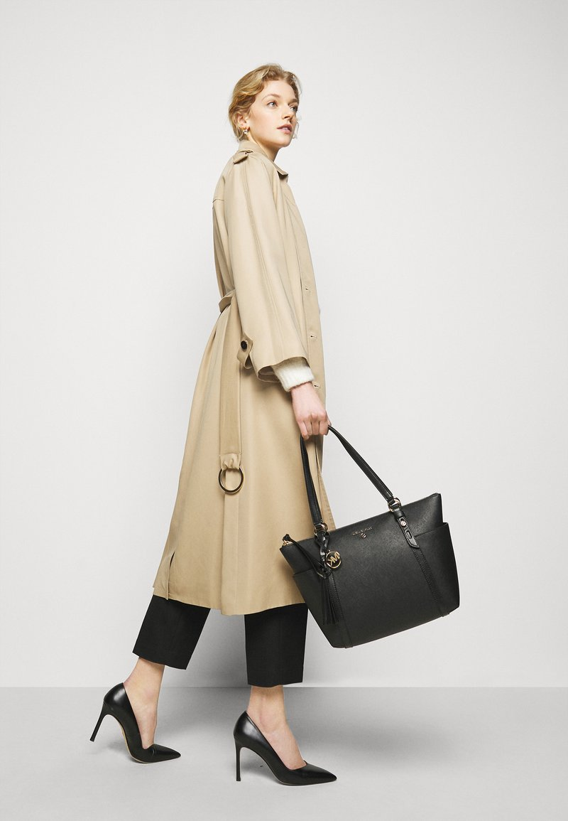 MICHAEL Michael Kors - SULLIVAN  - Shopping bags - black