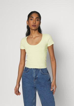 SCOOP BABY TEE - Basic T-shirt - green