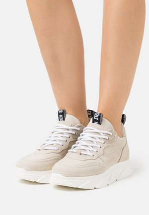 PITTY - Sneakersy niskie - light beige