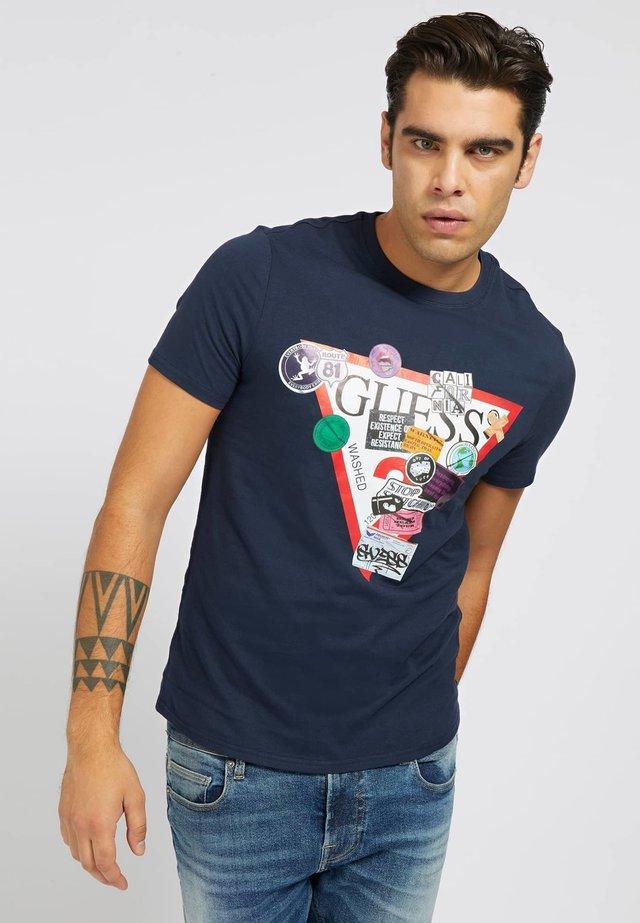 T-shirt imprimé - mehrfarbig, grundton blau