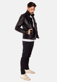 LEATHER HYPE - JORDAN PERFECTO - Leather jacket - black - 4