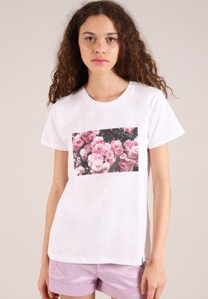 ROSE GARDEN - Print T-shirt - white