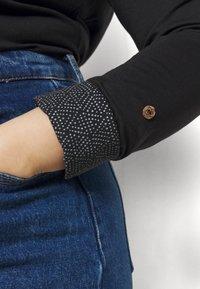Ragwear Plus - PINCH SOLID PLUS - Top sdlouhým rukávem - black - 5