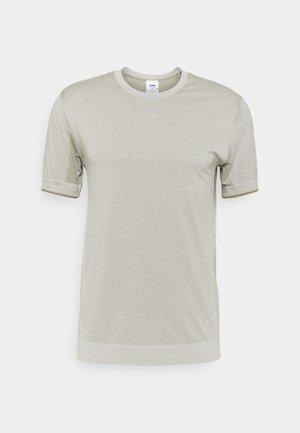HMLJOE SEAMLESS - Camiseta estampada - vetiver melange
