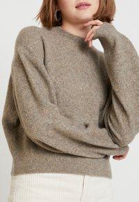 Weekday - AGGIE - Sweter - dark mole - 5