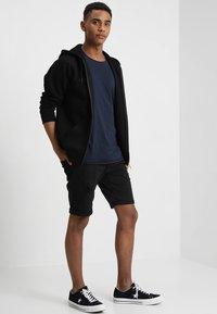 Jack & Jones - JJEBAS TEE - Basic T-shirt - navy blazer - 1
