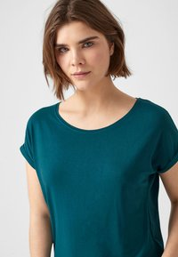 Q/S designed by - T-shirt print - blue green - 3