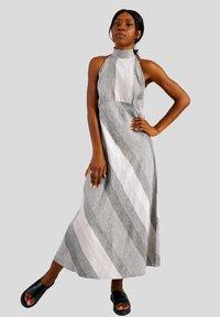 GESSICA - Maxi dress - schwarz und weiß - 1