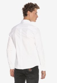 Cipo & Baxx - HECTOR - Formal shirt - weiss - 2