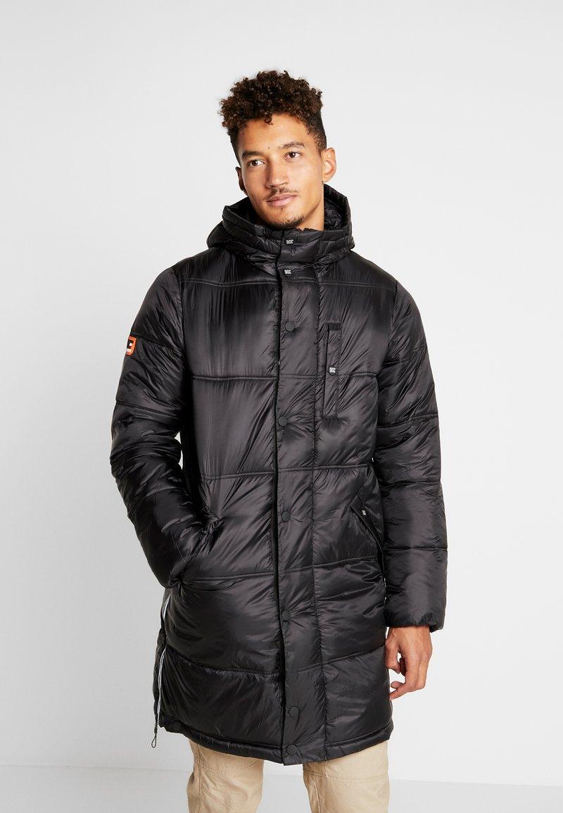 Superdry - STREET LONGLINE PUFFER - Płaszcz zimowy - jet black