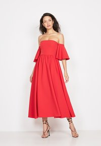 True Violet - BANDEAU FIT &AMP - Cocktail dress / Party dress - red - 1