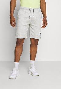 Redefined Rebel - ANDRÉ - Shorts - light grey melange - 0