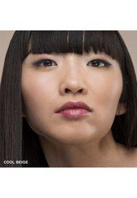 Bobbi Brown - SKIN LONG WEAR WEIGHTLESS FOUNDATION SPF15 - Foundation - c-046 cool beige - 2